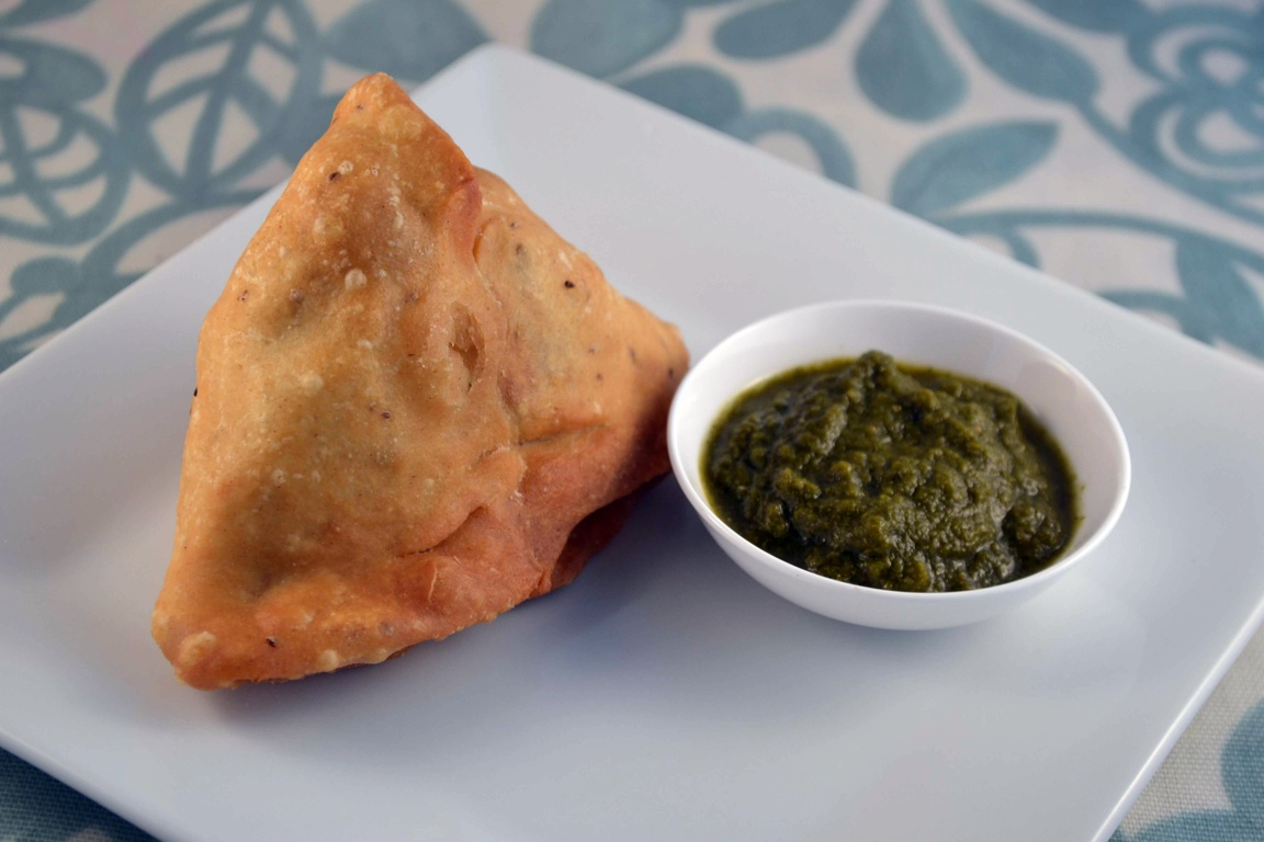 indian food delivery, Lamb samosa with coriander mint chutney
